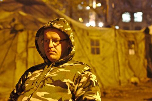 Yaroslav Salo, l'un des volontaires, a quitté son travail pour soutenir la révolution. Il apporte aujourd'hui son aide aux combattants ukrainiens.