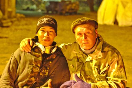 Des volontaires de la forteresse, soutiens de l'armée ukrainienne